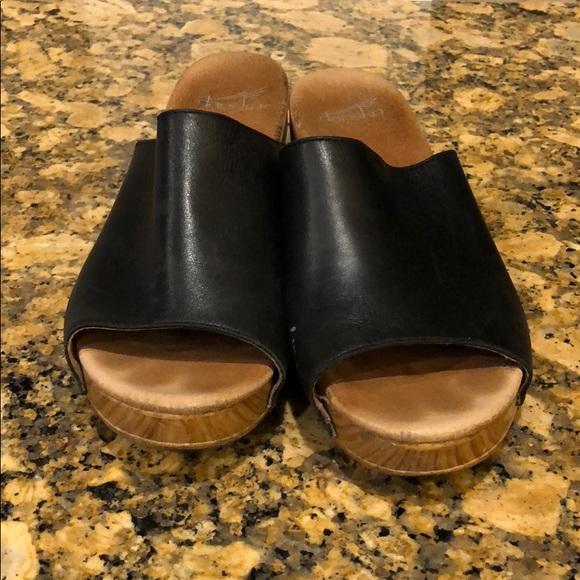 d7564a77af9 Dansko Shoes - Dansko Womens Maci Sandals 10